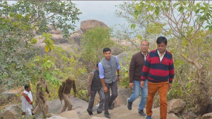 DM Heeralal Bambeswar mountain Banda