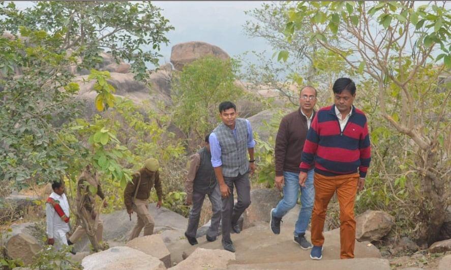 बाँदा: शहर के एक मात्र पहाड़ बाम्बेश्वर पर किया जाएगा सुंदरीकरण