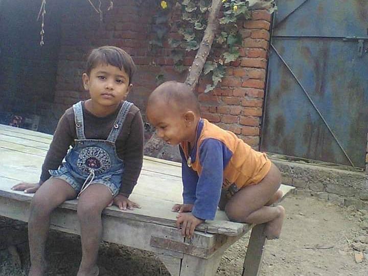 संदिग्ध परिस्थितियों में गायब हुए बच्चे, भूसे के ढेर से मिले दोनो के शव।