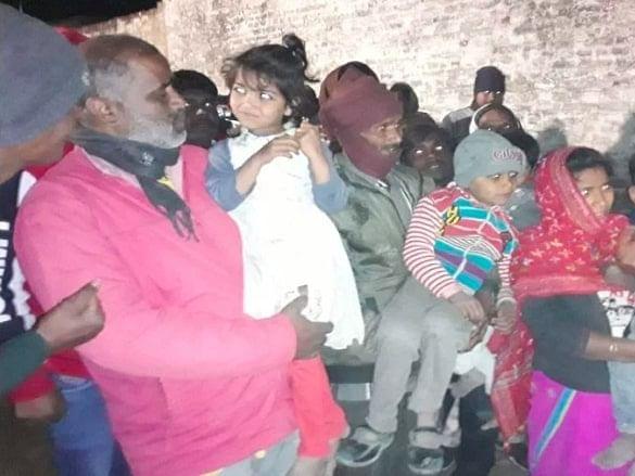 फर्रुखाबाद कांड : बच्चों को बंधक बनाने वाले की बेटी की जिम्मेदारी संभालेगी उप्र पुलिस