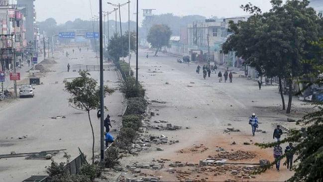 अब ख़त्म होने वाला है शाहीन बाग का ड्रामा, प्रदर्शनकारियों ने नोएडा जाने वाला कालिंदी कुंज मार्ग खोला।