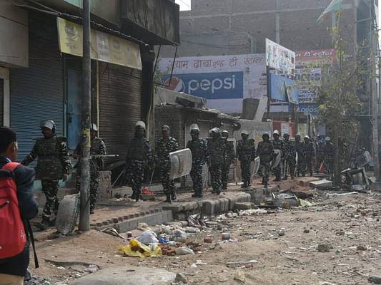दिल्ली  में बहुसंख्यकों ने अल्पसंख्यकों को हिंसक भीड़ से बचाकर मिसाल दी कि इंसानियत अभी भी जिंदा है !