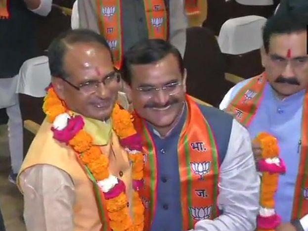 मध्य प्रदेश में अब कमल राज, शिवराज सिंह चौहान ने ली मुख्यमंत्री पद की शपथ।