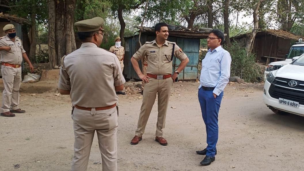 DM and SP Banda District Border Inspection