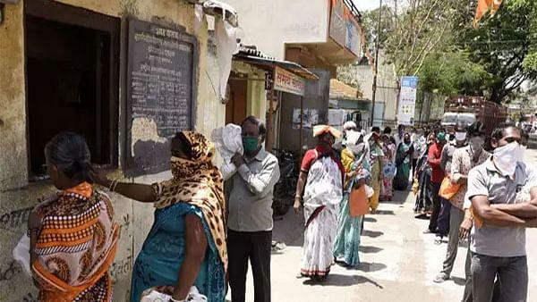 बुंदेलखंड में कोरोना का कहर जारी, संक्रमितों की संख्या लगातार बढ़ रही।