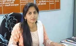 बैठक में SDM पिंकी मीणा फ़ोन पर ले रही थीं रिश्वत