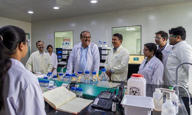 वैक्सीन पर अफवाह फैलाने वाले को भारत बायोटेक ने दी लंबी डोज