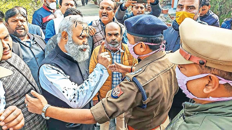 सोमनाथ भारती को मुश्किल पड़ा यूपी दौरा, 14 दिन की न्यायिक हिरासत में भेजे गए