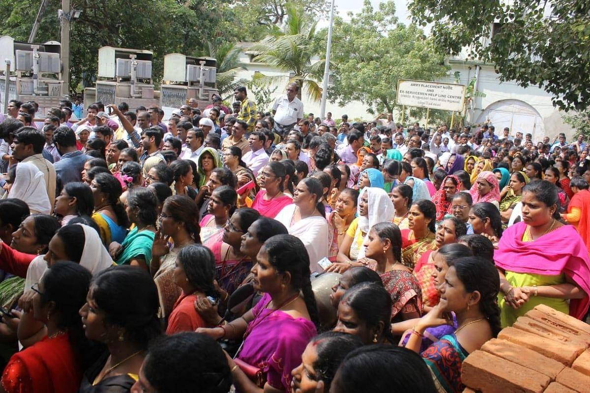 அரசு ஊழியர்கள், ஆசிரியர்களுக்கு சம்பளம் `கட்'! - தமிழக அரசு திடீர் நடவடிக்கை #JactogeoProtest