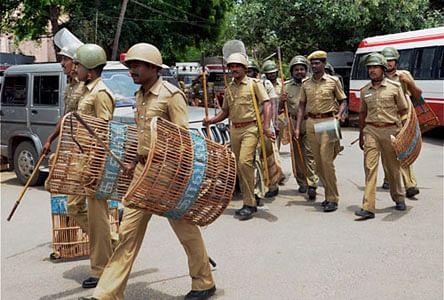 பரமக்குடி: 3 பேர் கொலை சம்பவத்தால் பதட்டம்!