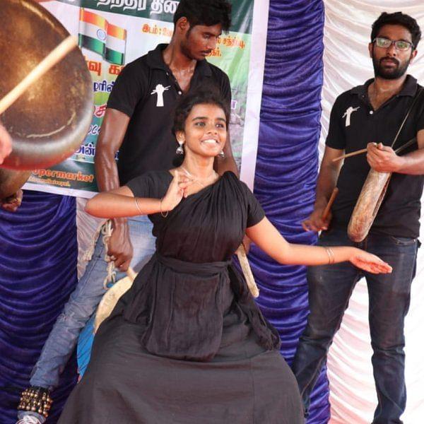 பறை இசைக்கு ஏற்ப பரதம்... கலக்கும் சென்னைப் பெண்!