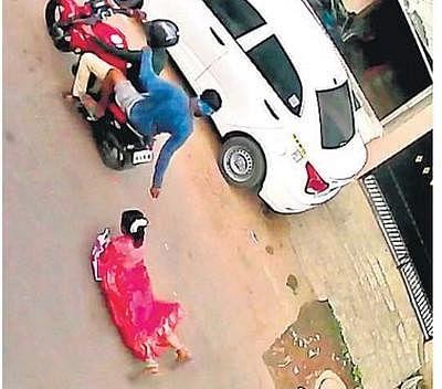 சென்னையில் பெண்ணைத் தரதரவென்று இழுத்துச் சென்ற திருடன் கைது!