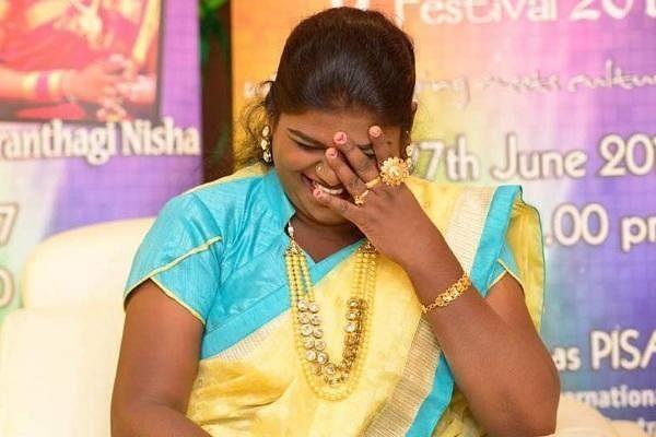 ``நீங்க,  எப்படி நிஷா படத்தை அங்கே ஷேர் செய்யலாம்!''- ரசிகருக்கு ரியாஸ் கேள்வி