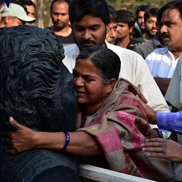 ரோஹித் வெமுலா... ஒரு நிஜ பரியேறும் பெருமாளின் கதை! #VikatanInfographics