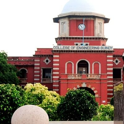 அண்ணா பல்கலைக்கழகத்தில் விஷவாயு தாக்கி 2 பேர் பலி