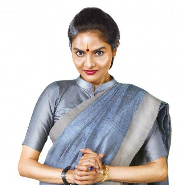 மதுபாலா, பாபி சிம்ஹா, சதீஷ் நடித்த  'அக்னி தேவி' பட ஸ்டில்ஸ்