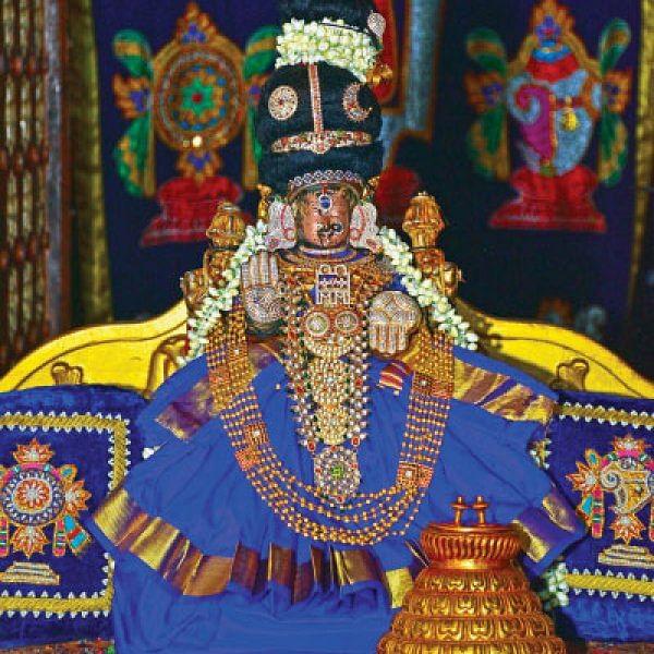 அஷ்ட ஐஸ்வர்யங்களும் அருளும் மயூரவல்லித் தாயாருக்கு வில்வார்ச்சனை!