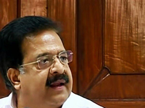 கேரளா: `பினராயி விஜயன் மீது நடவடிக்கை!' - யெச்சூரிக்குக் கடிதம் எழுதிய ரமேஷ் சென்னிதலா