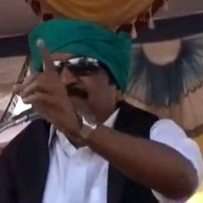 'உங்களால் வெயிலில் 10 நிமிடம் உட்கார முடியாதா?' தொண்டர்களிடம் சிடுசிடுத்த வைகோ!