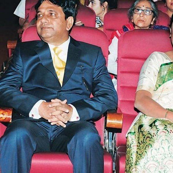 நக்சல், பிளாஸ்டிக் சர்ஜரி, 250 உயிர்கள் தற்கொலை... சாரதா நிறுவன அதிபரின் பகீர் பின்னணி!