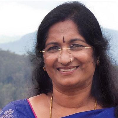 '`கதை சொல்லி குழந்தைகள் மனசைப் பிடிக்கணும்!''  - ஷோபா பிரேம்குமார்