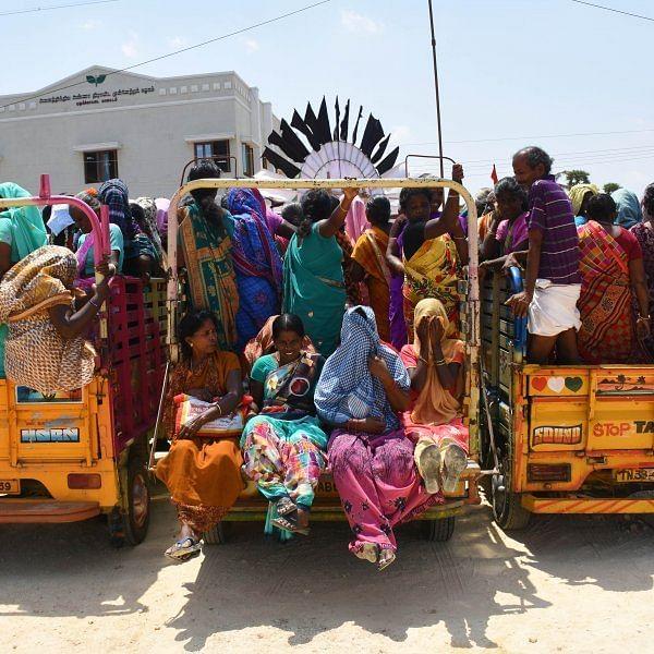 சரக்கு வாகனம் மீது அரசு பஸ் மோதல், 5 பெண்கள் படுகாயம்!- அமித் ஷா கூட்டத்துக்குப் பின் நடந்த சோகம்