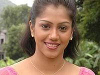 சென்னை: போலீஸ் எஸ்.ஐ மீது புகாரளித்த நடிகை ராதா மனம் மாறியது ஏன்?