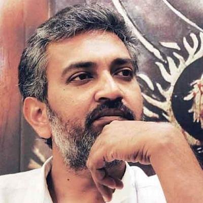 குருதட்சணையாக 'பாகுபலி'யைக் கொடுத்த ராஜமெளலி!