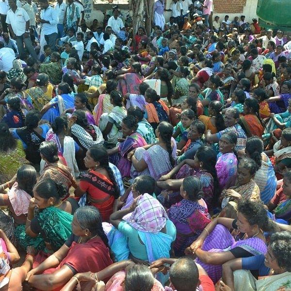 அதிகாரிகள் உறுதியை ஏற்று அரசு உப்பு நிறுவனத் தொழிலாளர்கள் போராட்டம் வாபஸ்