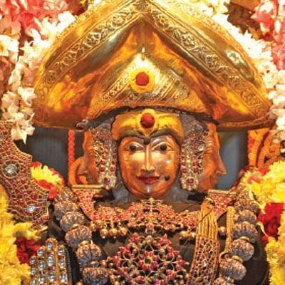 முழு நிலவாய் முருகக்கடவுள் - விதவிதமாய் சஷ்டி விரதம்!