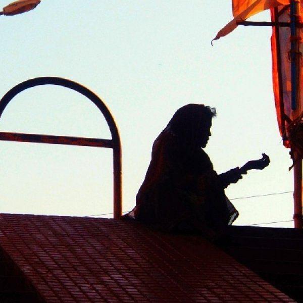வாழும்போது பிச்சைக்காரர்; இறந்த பின் கொடையாளி -  சிஆர்பிஎஃப் வீரர்களின் குடும்பங்களை நெகிழவைத்த மூதாட்டி