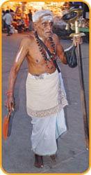தூபக்கால் சாமியார்!