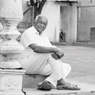 """""""ரஜினி மெய்ஞானி; கமல் விஞ்ஞானி!''"""