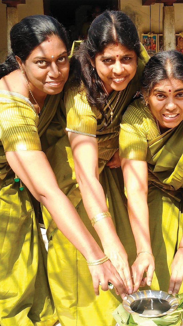 ஒரு வீடு, 24 குடும்பங்கள், மெகா பொங்கல்!