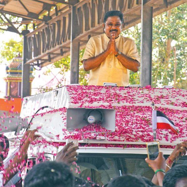 தினகரன் தனிக்கட்சி மாஸ்டர் பிளான்!