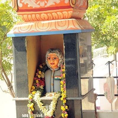 அப்துல் கலாமுக்கு கோயில்... வெள்ளிதோறும் சிறப்பு வழிபாடு... திருச்சி இளைஞரின் 'கலாம்' பக்தி!