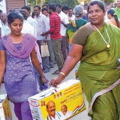 புதுச்சேரியில் களை கட்டும் தேர்தல் வியாபாரம்... கோடிகளை இறைக்கும் அரசியல் கட்சிகள்!