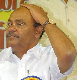 பா.ம.க. அங்கீகாரம் ரத்து கோரிய வழக்கு: தேர்தல் ஆணையத்துக்கு ஐகோர்ட் நோட்டீஸ்