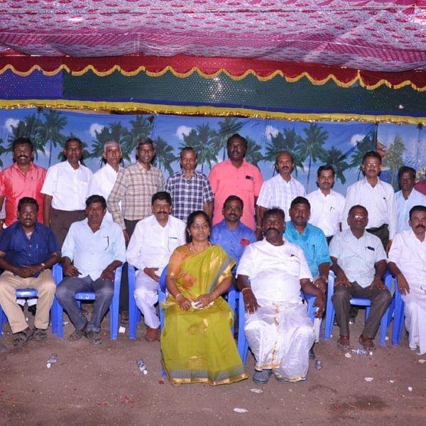 `96' ரூட்டில் `86'...! இது சமூகரெங்கபுரம் ஆசிரியர்கள் ரீ யூனியன்