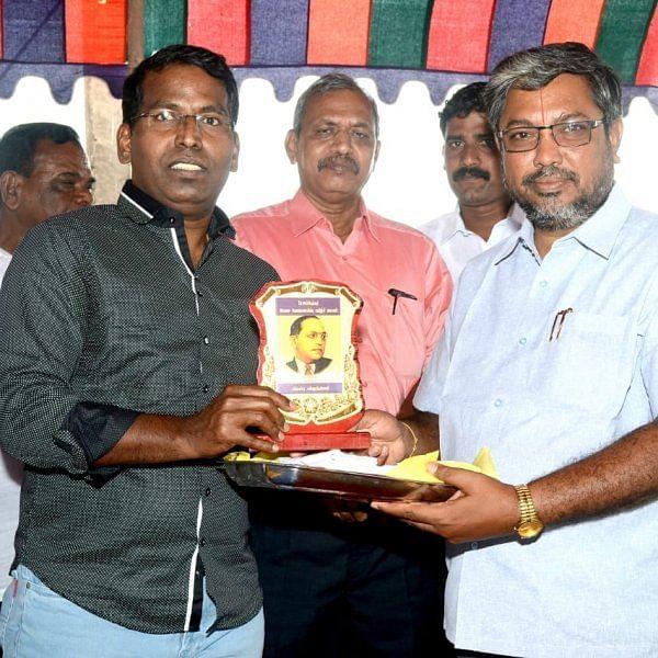இலவசப் பயிற்சியால் அரசு ஊழியர்களான 150 பட்டதாரிகள் - ராமநாதபுரத்தில் தொடரும் சேவை
