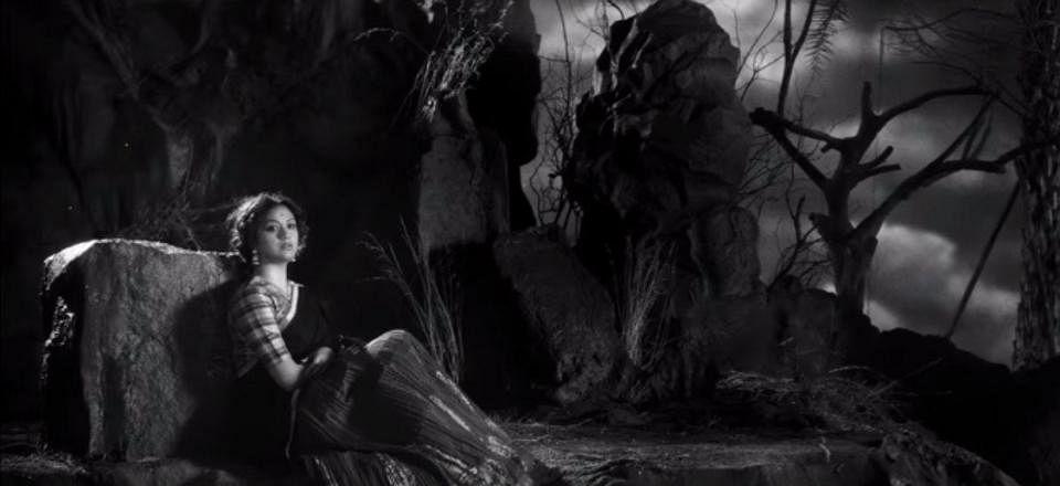 """''வாவ்... சாவித்திரி ஒப்பிட முடியாத ஒரு துருவ நட்சத்திரம்தான்!""""  - நடிகையர் திலகம் விமர்சனம்"""