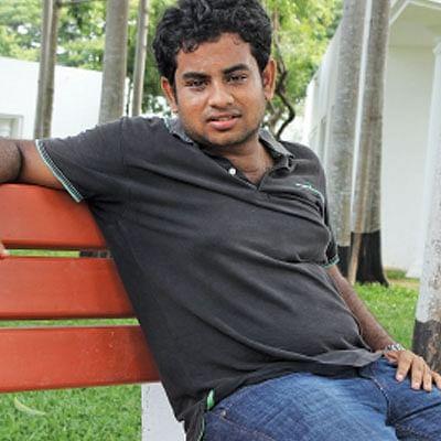 'அவசியம்தானா ஐபுரோ ஷேப்பிங், ஹேர் கட்,லிப்ஸ்டிக்..?'