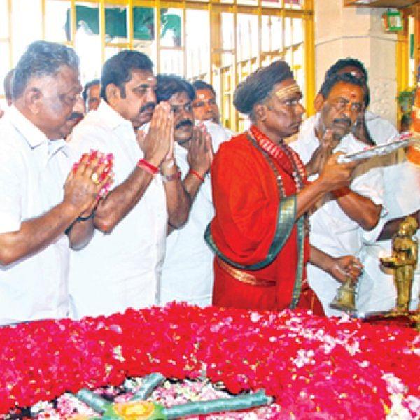 பசும்பொன் கவசம் - பின்வாங்கிய பன்னீர்... வெற்றி பெற்ற தினகரன்!