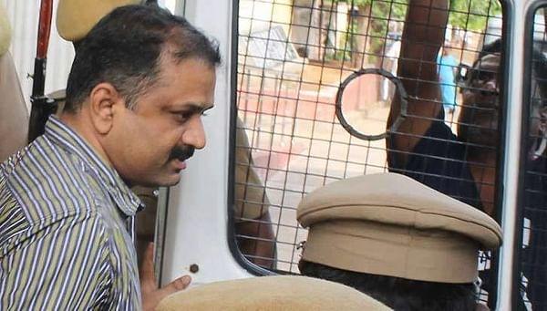 கோபால் கோட்சேவுக்கு ஒரு நீதி... பேரறிவாளனுக்கு ஒரு நீதியா...?