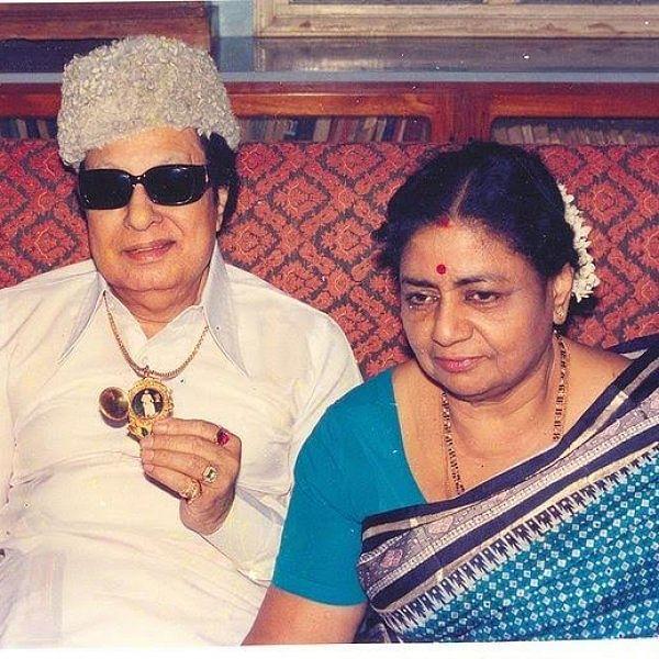 ஜானகி செய்ததை சசிகலா செய்வாரா...?  வி.என்.ஜானகி நினைவுதினச் சிறப்பு பகிர்வு!