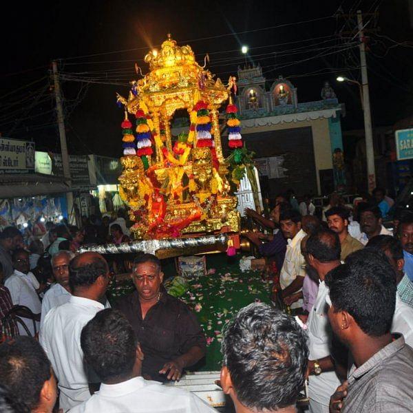 மண்டைக்காடு பகவதி அம்மன் கோயிலுக்கு தங்கத்தேர் அர்பணிப்பு..!