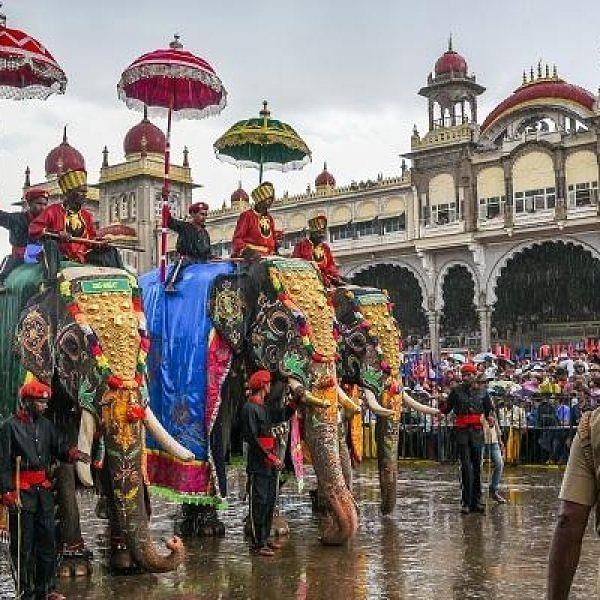 மைசூருவில் கோலாகலமாகக் கொண்டாடப்பட்ட தசரா திருவிழா!