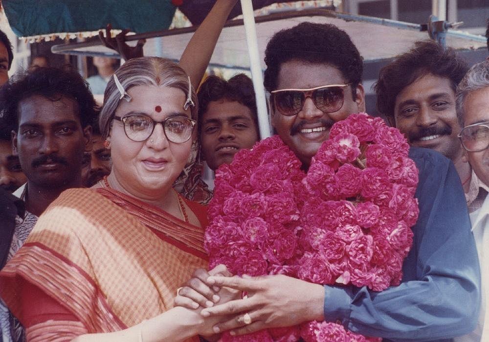 அவ்வை சண்முகியுடன் கே.எஸ். ரவிக்குமார்