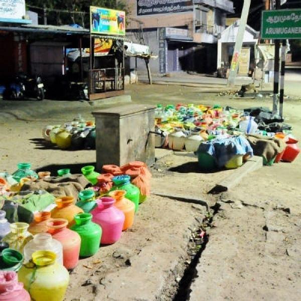 தமிழக மாவட்டங்களில் தொடங்கும் குடிநீர் பஞ்சம்