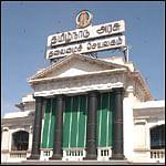 பரமக்குடி: புதிய தமிழகம், கம்யூ. கட்சிகள் வெளிநடப்பு